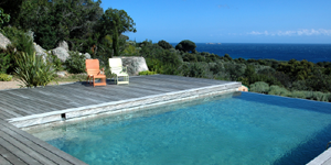 Location villa corse les plus belles villas en corse for Villa piscine sud france